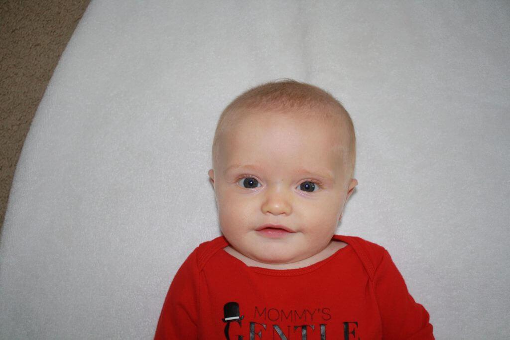 taking a baby's passport photo