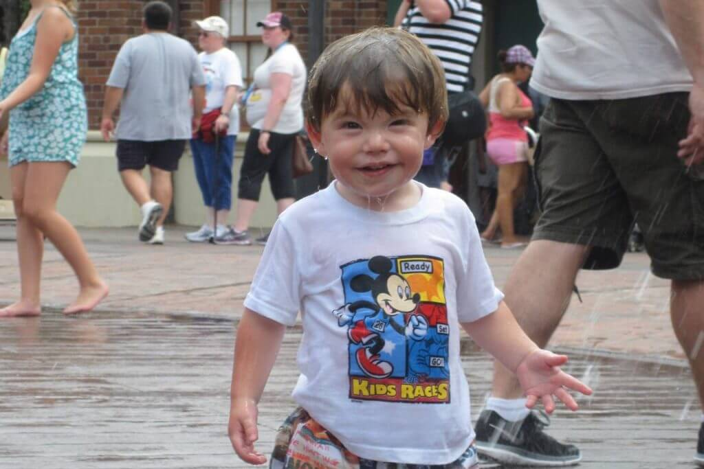 kids stay cool at walt disney world