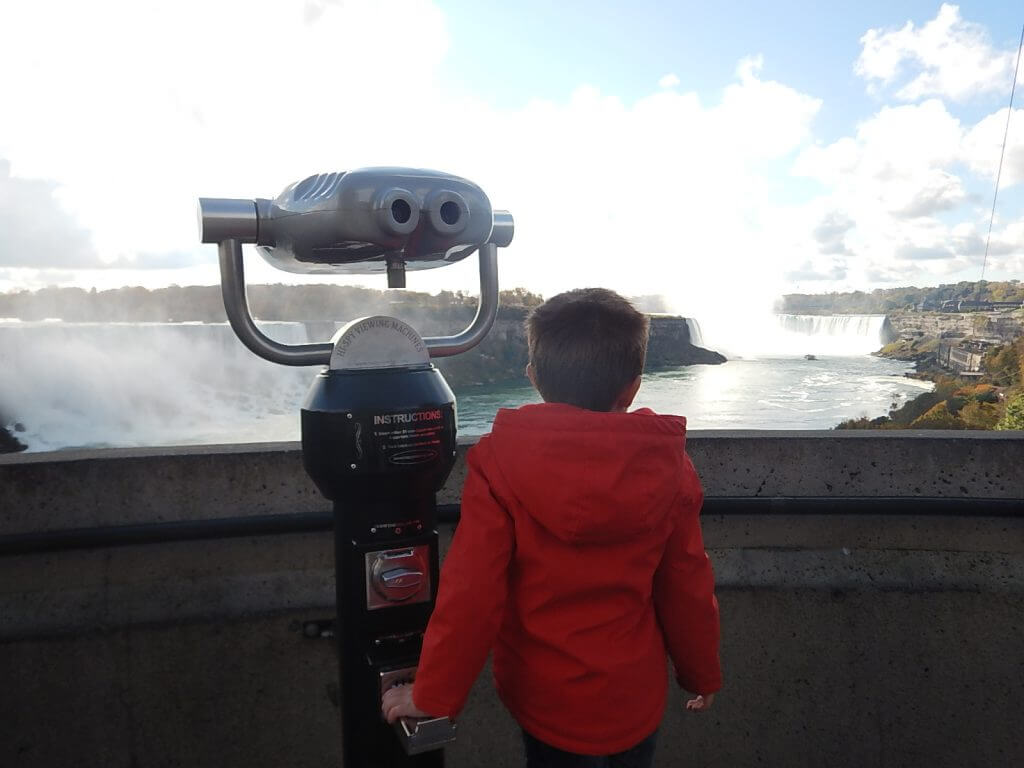 visiting Niagara Falls with kids