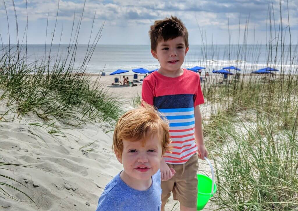 Traveling alone with kids