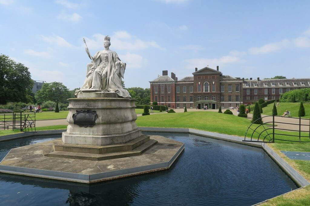 Layover in London Kensington Palace