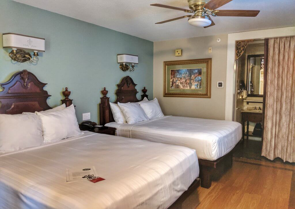 Disney moderate resorts Port Orleans French Quarter rooms