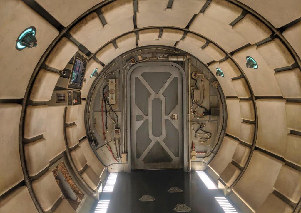 Star Wars: Galaxy's Edge Millennium Falcon Smugglers Run
